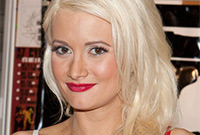 Holly-madison-playboy-bunny-hair-side